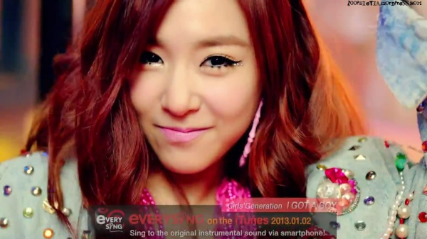 Girls' Generation 소녀시대_I GOT A BOY_Dance Teaser - YouTube_20121228-18161055
