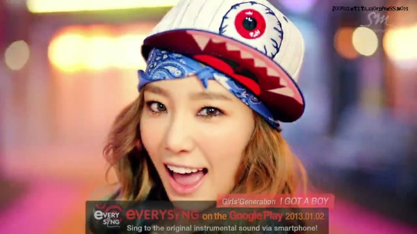 Girls' Generation 소녀시대_I GOT A BOY_Dance Teaser - YouTube_20121228-18164004