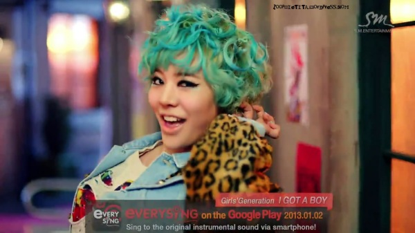 Girls' Generation 소녀시대_I GOT A BOY_Dance Teaser - YouTube_20121228-18164235