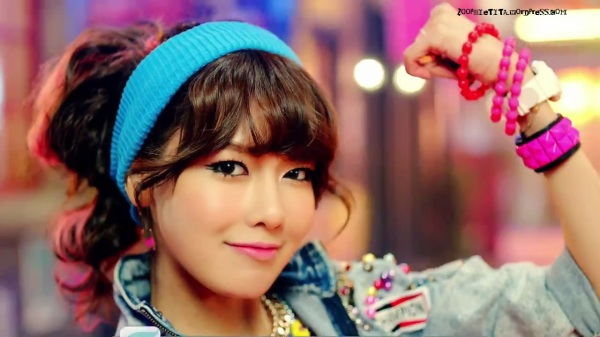 Girls' Generation 소녀시대_I GOT A BOY_Dance Teaser - YouTube_20121228-18165403